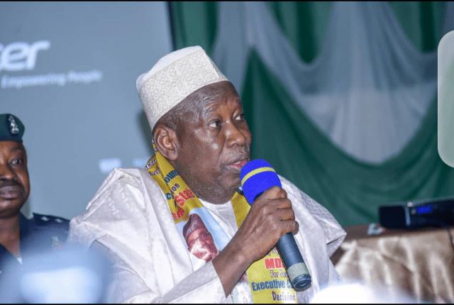 Gwamna Ganduje ya mikawa Kwankwaso ta'aziyyar rasuwar Mahaifinsa