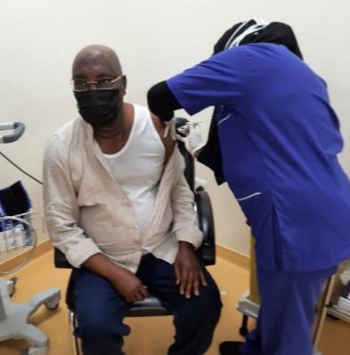 Hotuna:An yiwa Atiku Abubakar rigakafin Coronavirus/COVID-19 karo na 2
