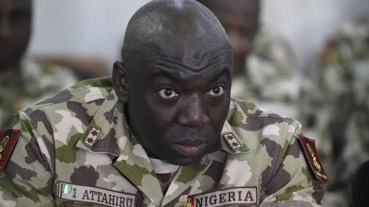 Bidiyon Shugaban Sojojin Najeriya yana karfafa Musu Gwiwa su yaki Boko Haram ya sha yabo sosai
