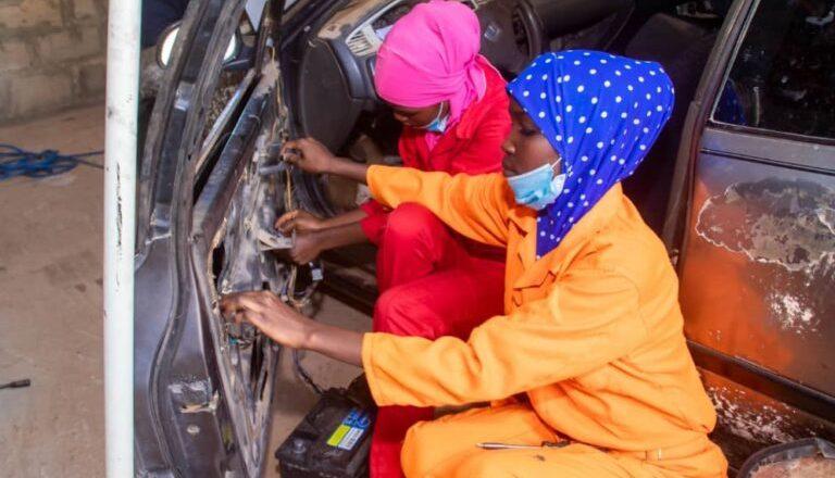 Hoto:Yanda aka bude garejin gyaran mota da duka ma'aikatansa matane a jihar Sokoto
