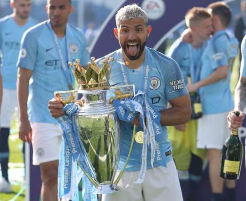 Sergio Aguero zai bar Manchester City a karshen kaka