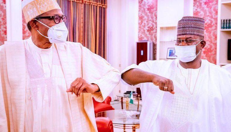 Hotuna: Gwamna Yahya Bello ya gana da shugaba Buhari kan daina kai abincin Kudu