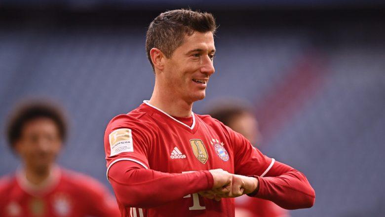 Robert Lewandowki yaci kwallaye uku inda Bayern Munich ta lallasa Stuttgart daci 4-0 da yan wasa goma