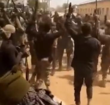 Bidiyon sojojin Najeriya suna shewa bayan kwace iko da wani garin Boko Haram